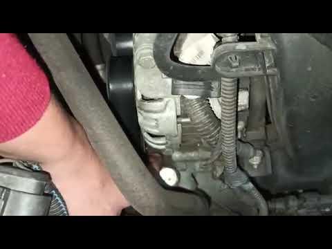 Vazamento de óleo da direção hidráulica causa ruídos e danifica o equipamento.